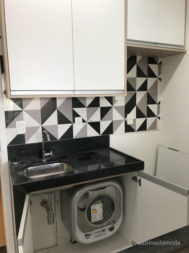 Cozinha com Máquina de Lavar Roupas 3kg