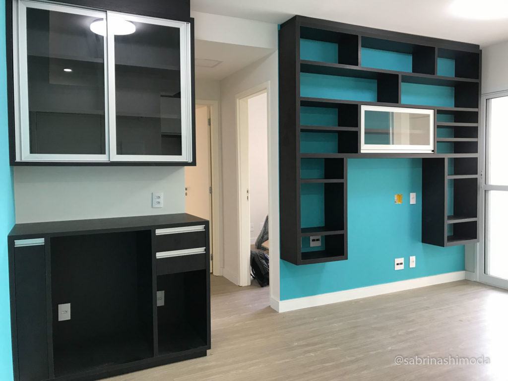 Sala com Espaço para Bar + Rack TV