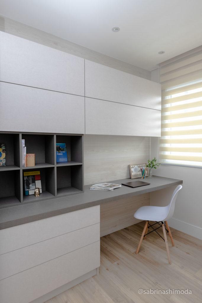 Quarto Home Office